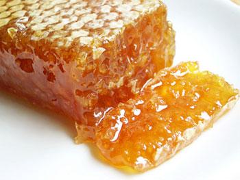 خواص عسل در زمستان بیشتر به چشم می آید